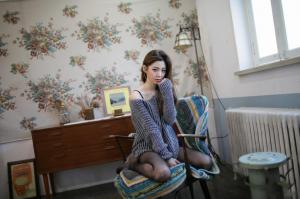 韩国女模乐彩恩妩媚撩人时尚杂志写真