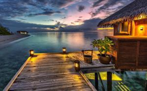 唯美蓝色马尔代夫风景图片