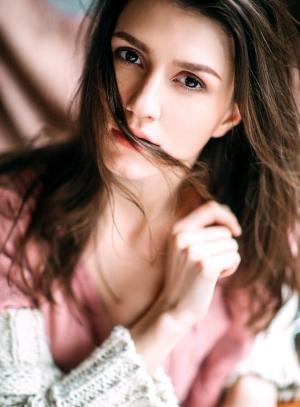 欧美清纯少女午后静谧摄影惊艳美色魅力十足