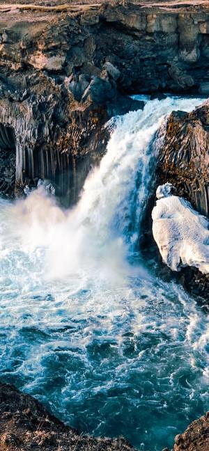 唯美瀑布自然风景高清手机壁纸