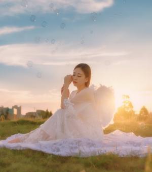 落日余光中恍如仙子般清纯秀丽美女图片