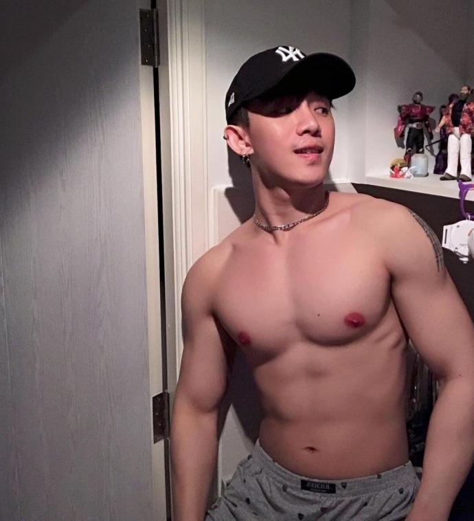 火爆朋友圈的泰国体育帅哥เวชพิสิฐ