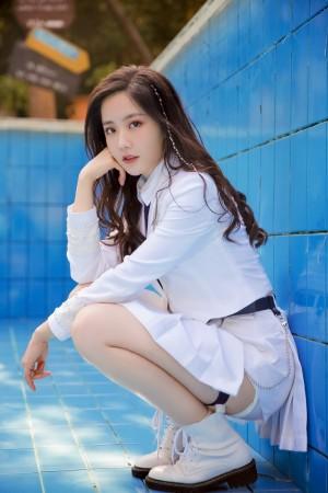 创造营2020王艺瑾清新制服纯美图片