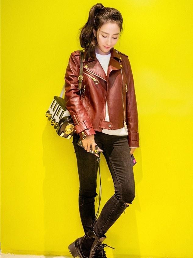 美女马苏意境满分帅气十足皮衣酷靴写真