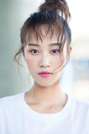 蓝盈莹青春活力少女写真图片