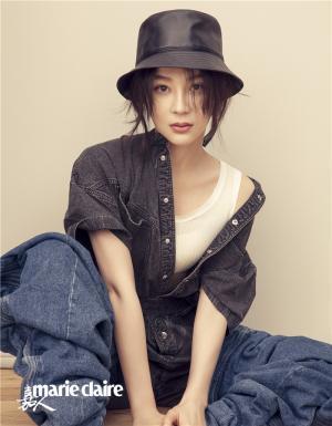 袁姗姗时髦有型表现女性力量主题写真