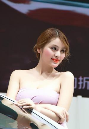 大胸韩国热门美女车模超高颜值图片