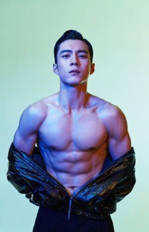 韩东君半裸肌肉完美身材写真图片