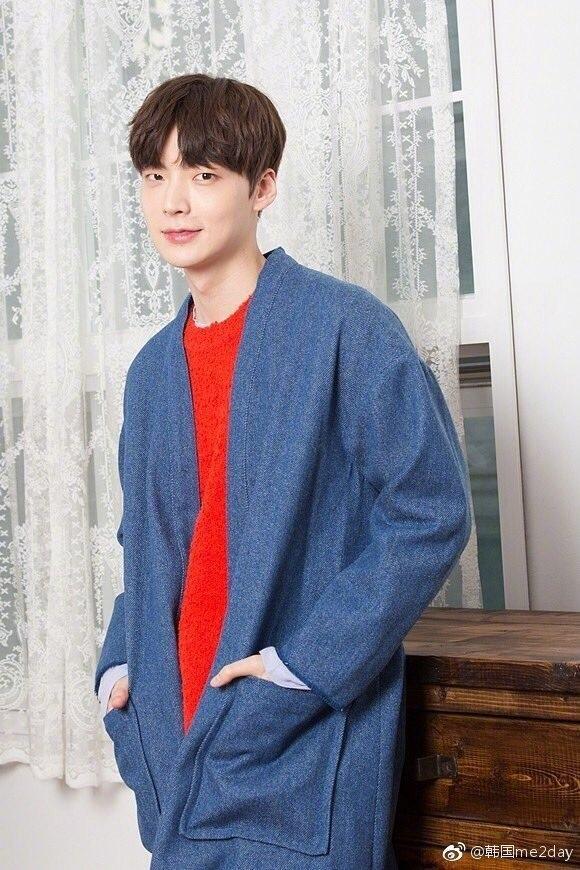韩国帅气的大长腿模特安宰贤