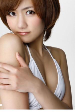 宫泽佐江白色内衣性感写真